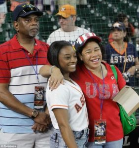 simone-biles-with-adopted-parents